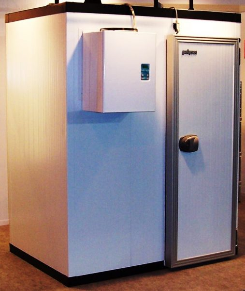 Brand new: ARNEG walk-in cold room with mono block (173cm x 253cm x 213cm) 1