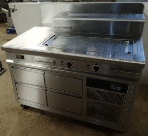 MENU SYSTEM Bespoke Electric Griddle Station with Chilled Drawers