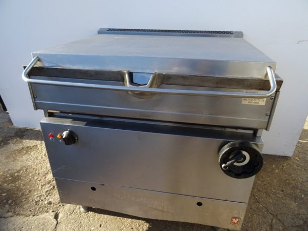 FALCON Dominator 35 Litre Gas Manual Tilt Bratt Pan