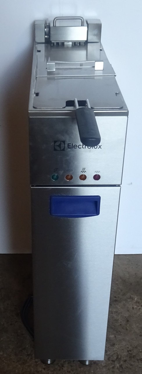 Electrolux EXFREB1BWQ Single Phase Fryer B Grade ex demo