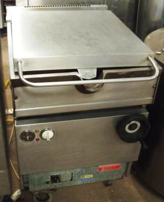 FALCON Dominator 21 Litre Gas Manual Tilt Bratt Pan 1