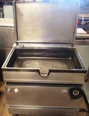 FALCON Dominator 55 Litre Gas Manual Tilt Bratt Pan