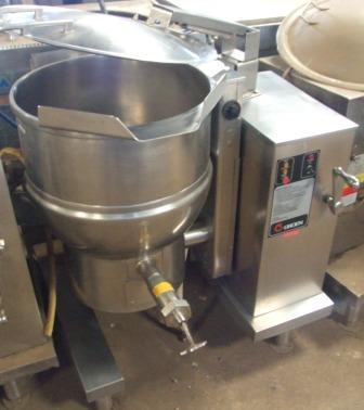 GROEN DH40 151 Litre Gas Tilting Kettle