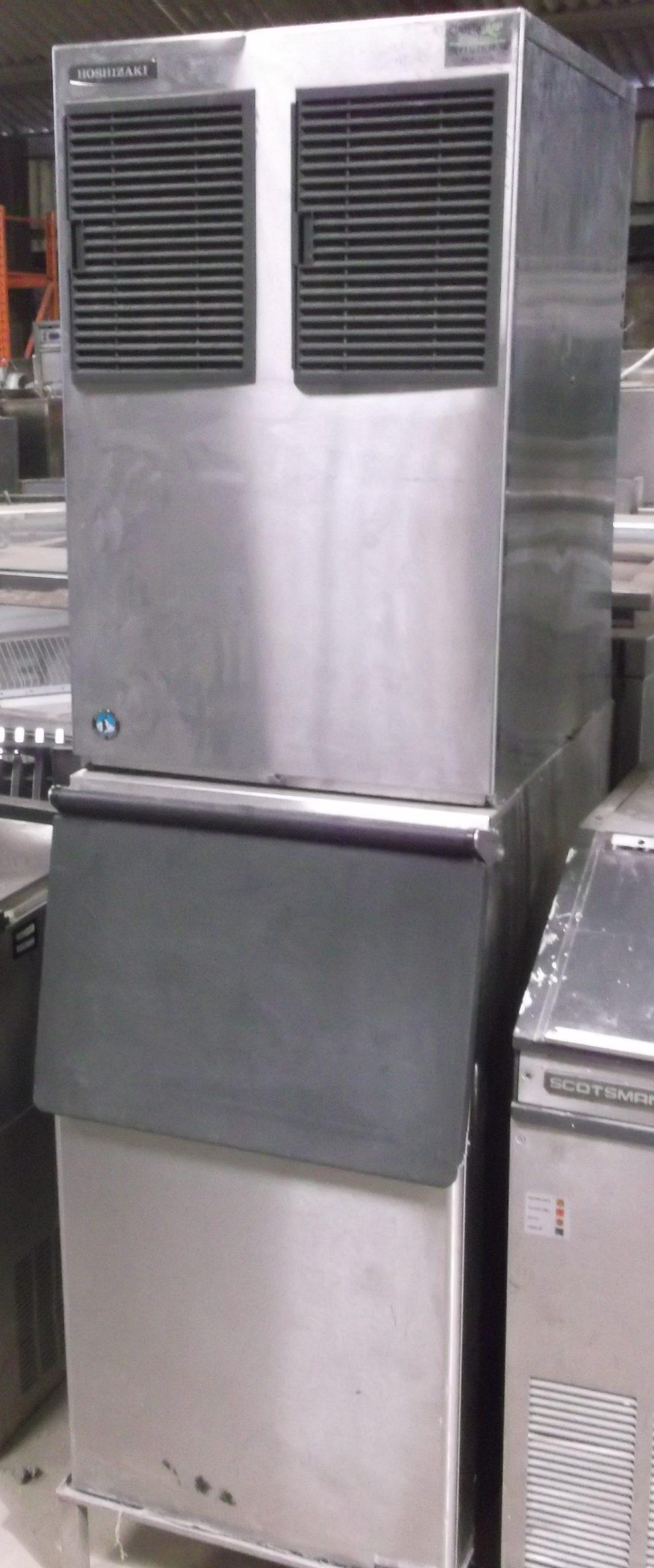 HOSHIZAKI FM251 Ice Flaker with Follet Insulated Storage Bin