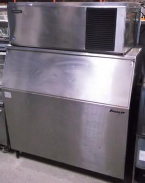 HOSHIZAKI IM240 Ice Maker with Follet Insulated Storage Bin