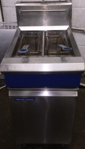 BLUE SEAL V Ray Twin Well Gas Fryer