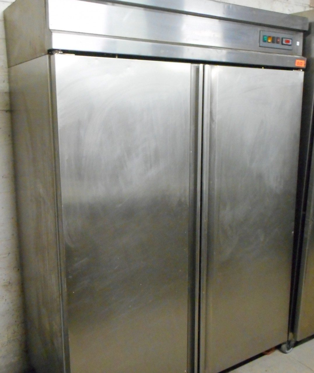 King double door 1200 litreupright fridge caterquip for 1200 door