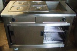 LINCAT 3 Wet Well Heated Servery with Hot Cupboard