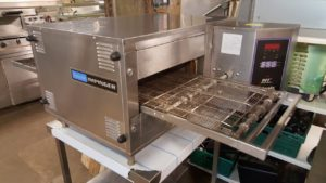 LINCOLN IMPINGER 16 inch Electric Pizza Conveyor Oven