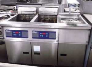 PITCO Twin Well Electric Fryer Suite with Integrated Chip Scuttle CLEARANCE ITEM