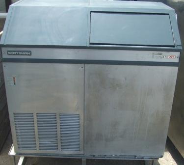 SCOTSMAN AC225 Ice Maker