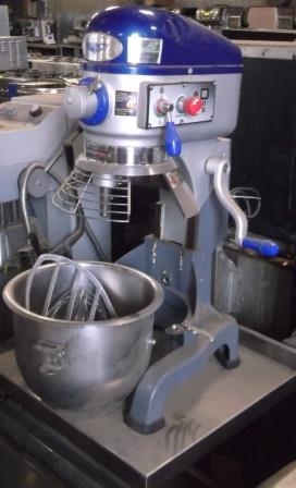 VOLRATH 20 Quart Planetary Mixer with Guard & Tools 1