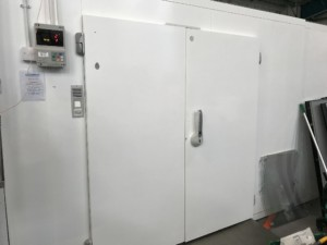 Walk In Fridge.  W330 x D690cm Showroom condition
