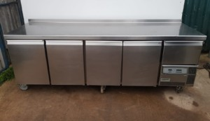 CARAVELL 4 1/2 Door Bench Fridge