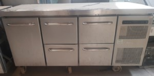 GRAM 4 Drawer 1 Door Bench Fridge