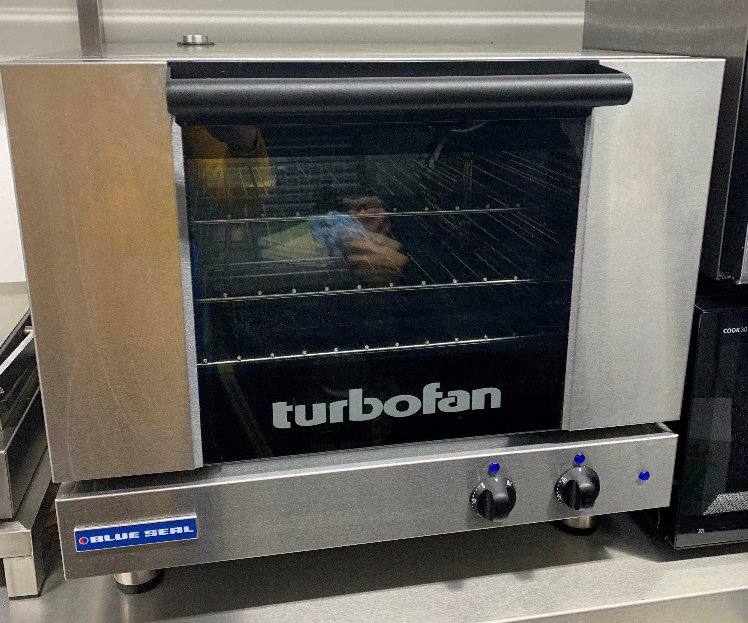 BLUE SEAL E22D Electric Convection Oven