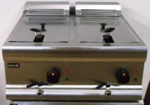 LINCAT Silverlink Twin Electric Fryer – B Grade new