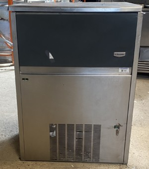 Electrolux 90kg Ice Machine