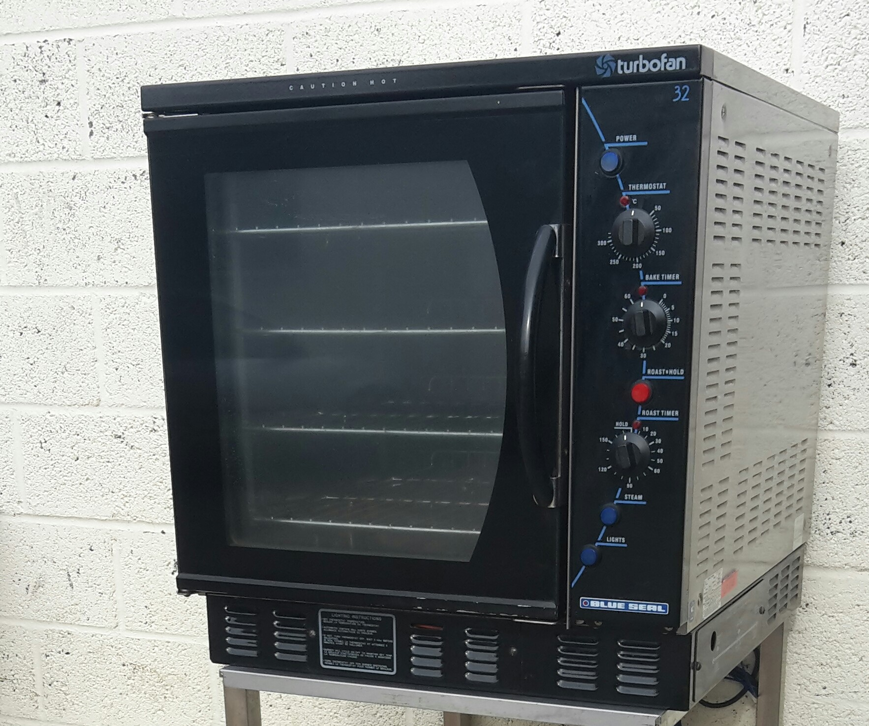BLUE SEAL  E32 Electric Convection Ovens