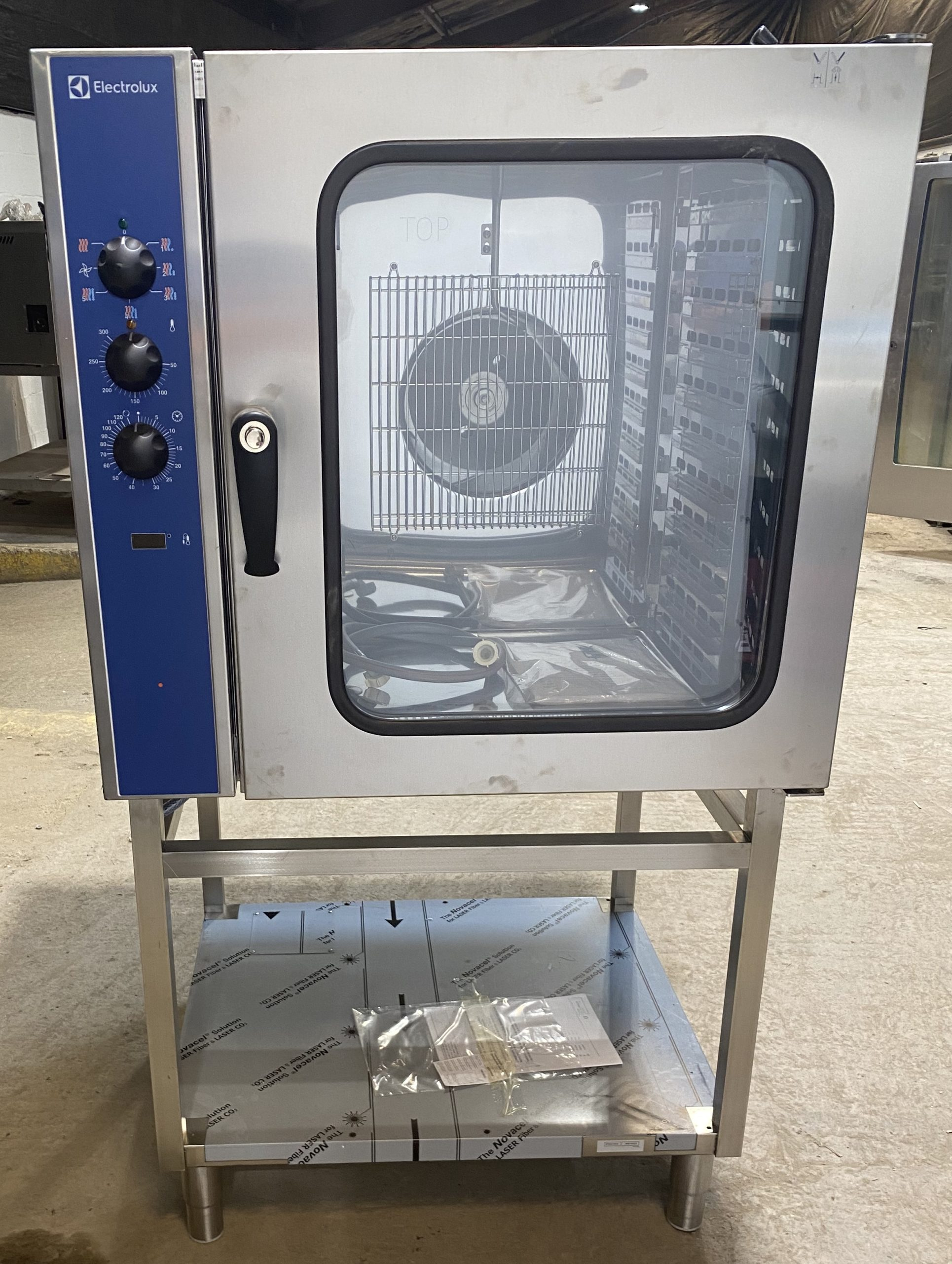 ELECTROLUX ECFE 10 Grid Convection Oven with Humidity.