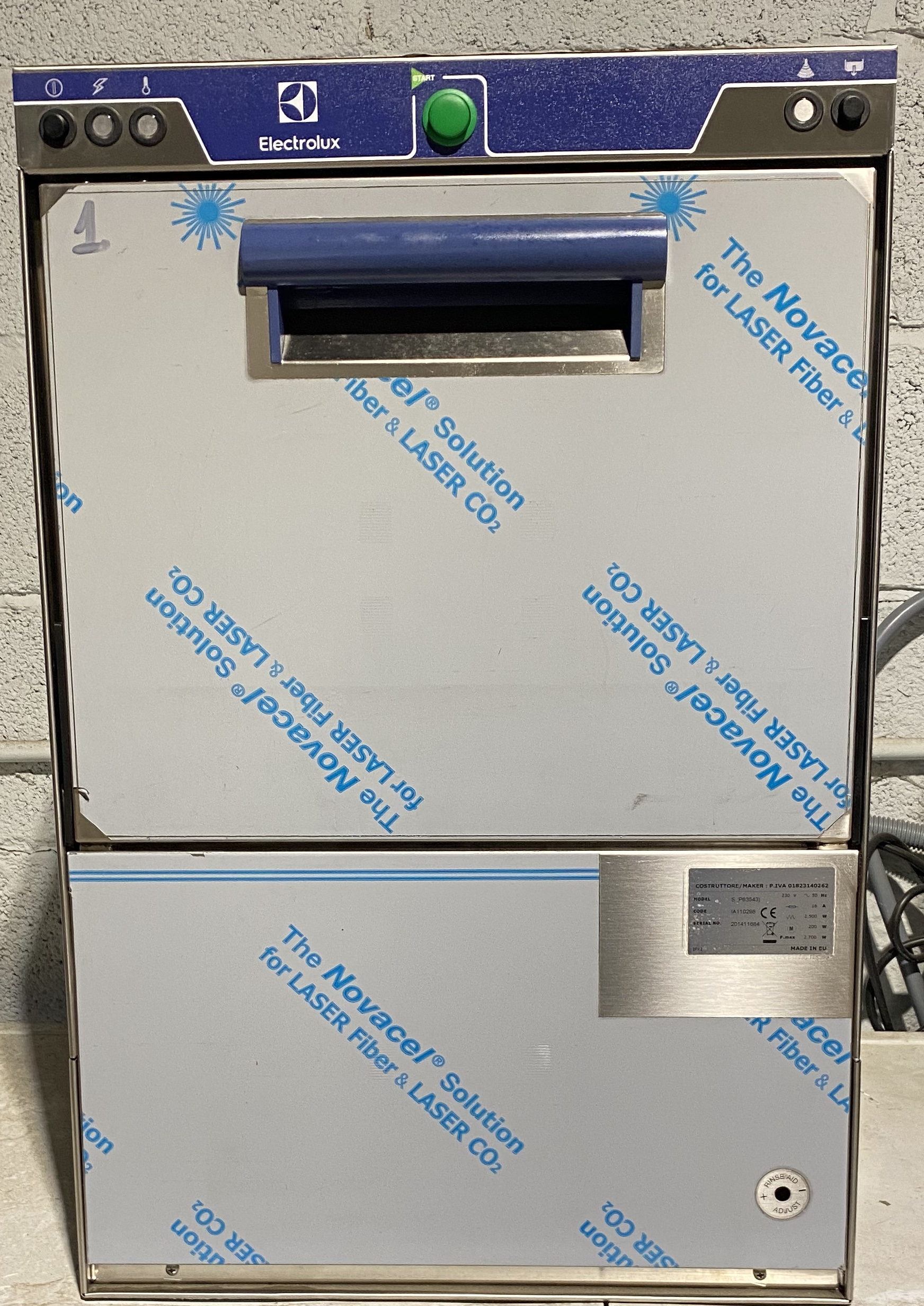 ELECTROLUX P63543 Under Counter Glass Washer
