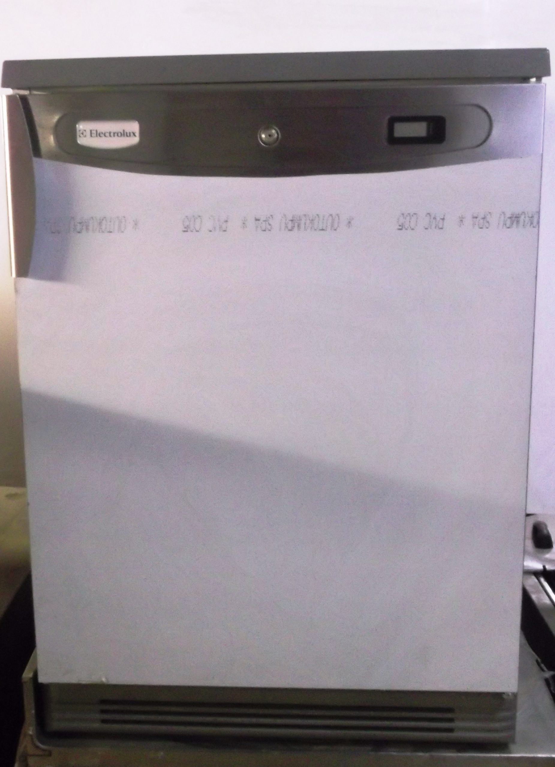 ELECTROLUX Under Counter Fridge. Mint as new condition
