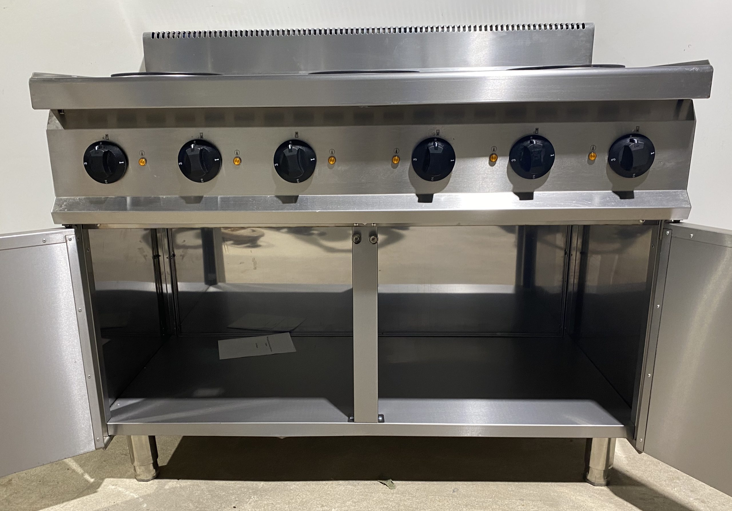 LINCAT 6 Hob Extra Wide Electric Boiling Top with Double Door Cupboard Base – B Grade Brand New.