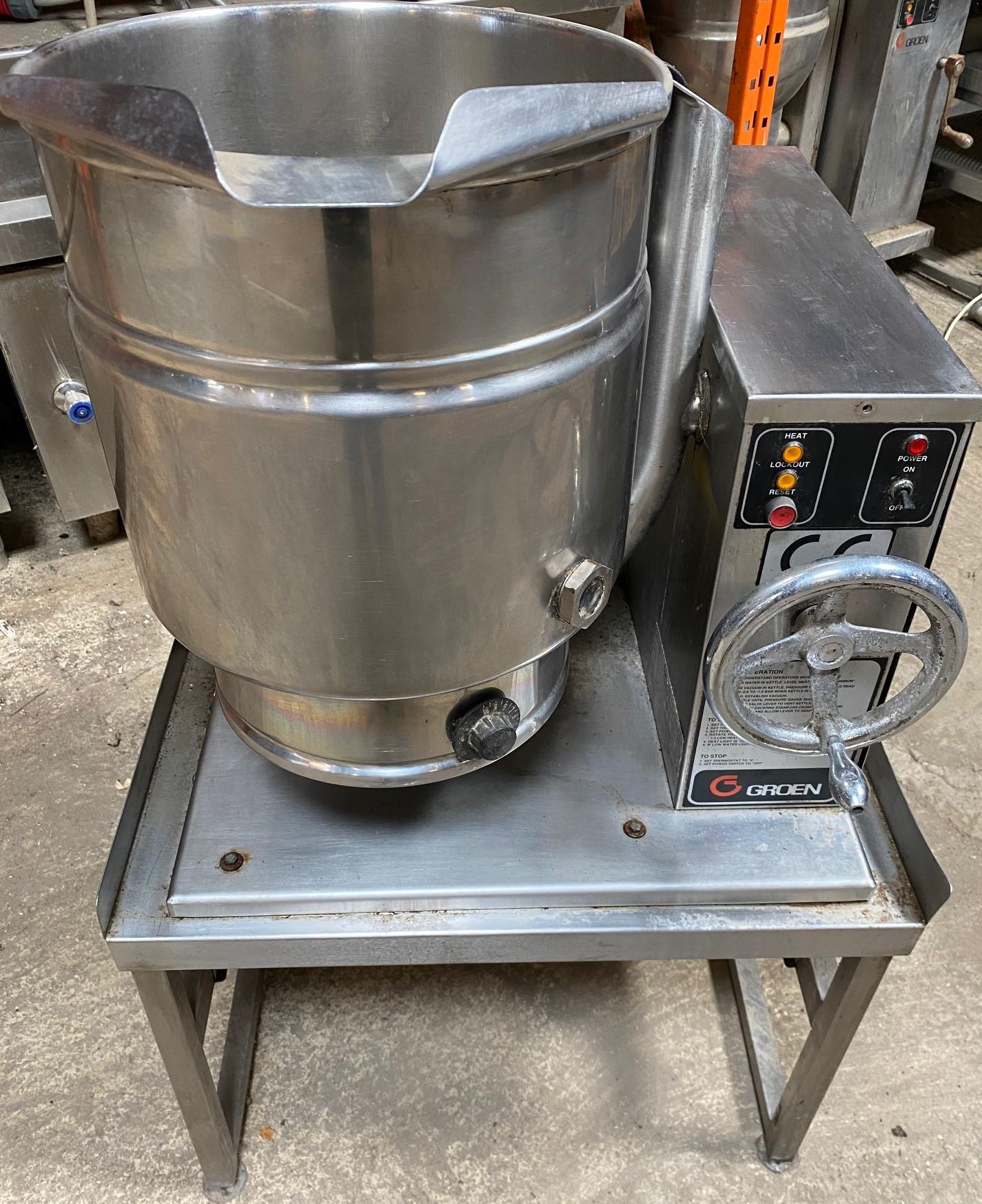 GROEN  40 Litre Electric Tilting Kettle