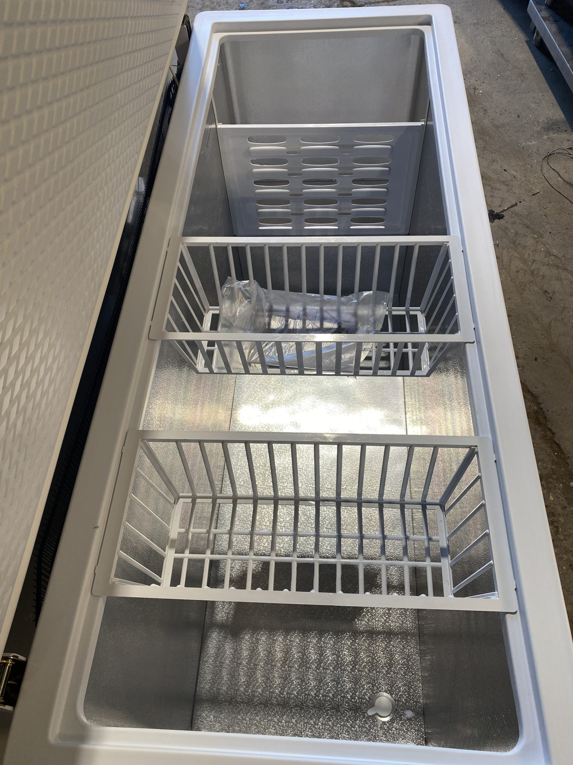 KAZ Commercial Chest Freezer – Brand New!