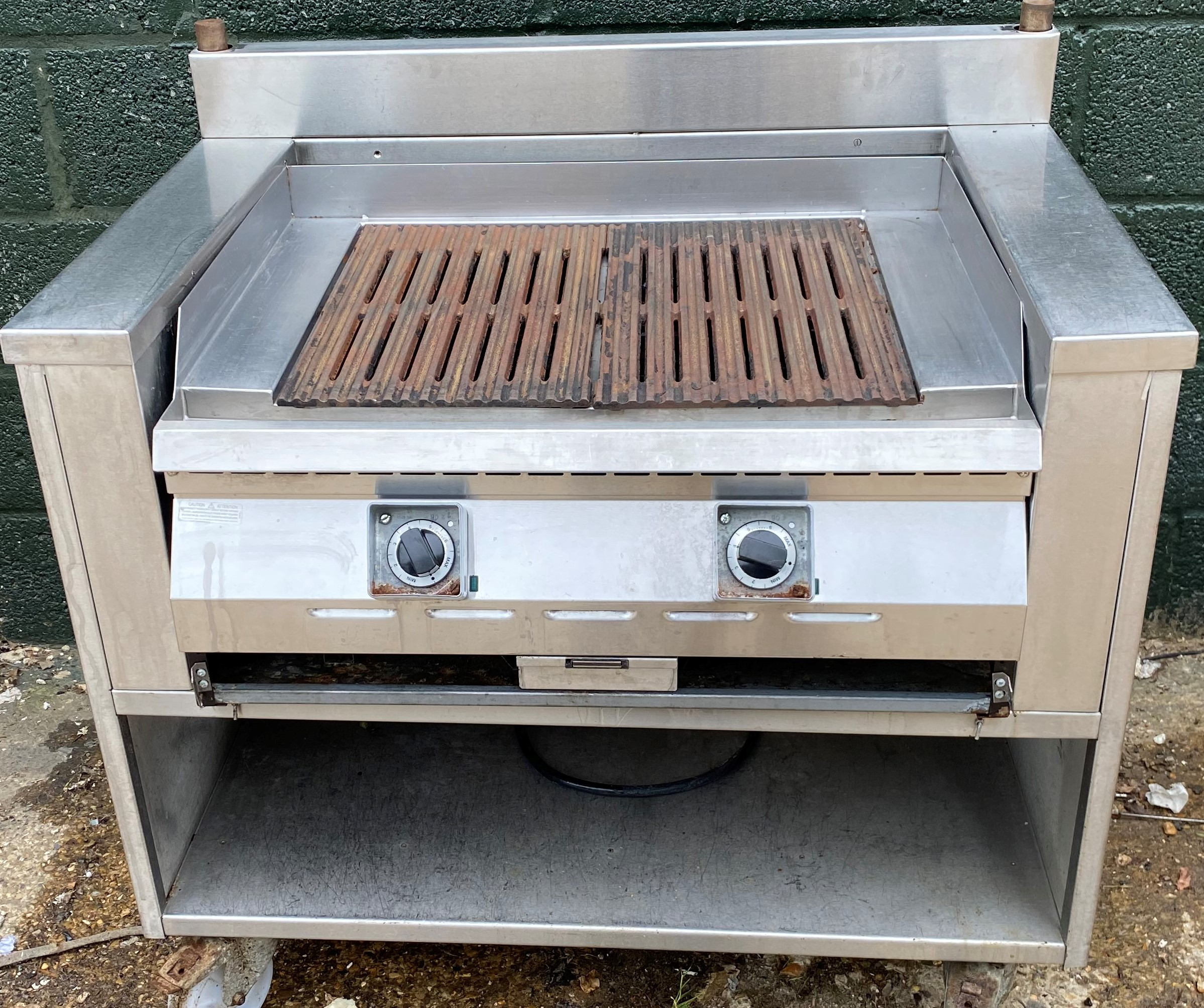 MKN Electric Char Grill with Table Station